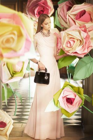 """""""Un Crăciun Excepţional"""" cu Dior – afla pe BlogModele"""
