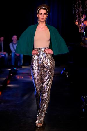 Berlin Fashion Week: colecţii cu modele spectaculoase toamnă-iarnă 2013