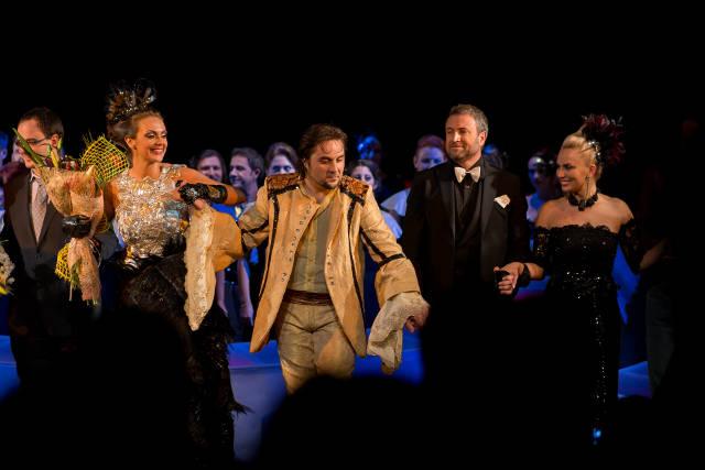 """Catalin Botezatu a creat costumele pentru piesa """"Don Giovanni"""""""