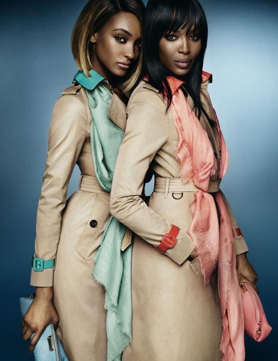 Naomi Campbell si Jourdan Dunn pentru noua campanie Burberry 3