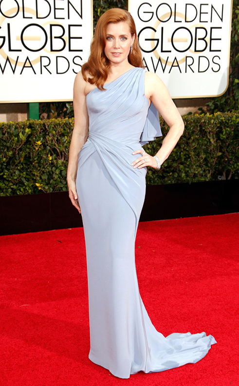 Amy Adams a fost fresh'n'fun in Versace