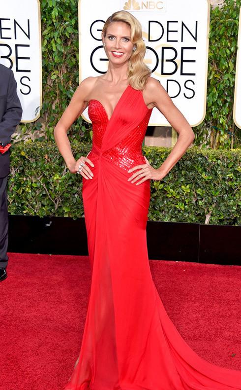 Heidi Klum, stralucitoare in rosu cu bucle retro perfecte