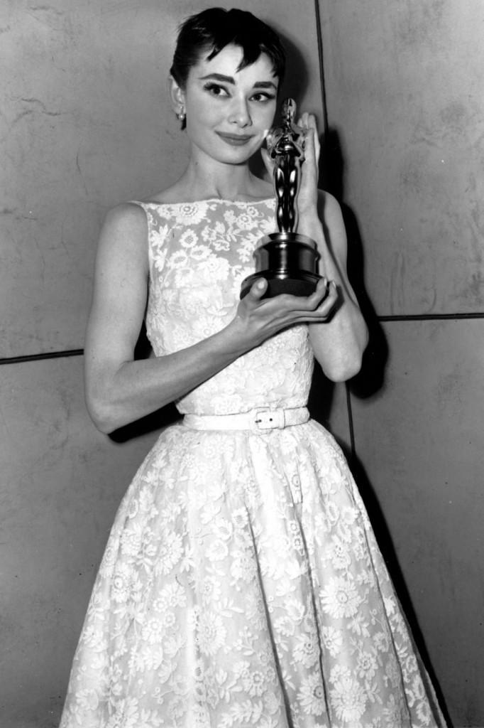 Audrey Hepburn-1954-rochie Givenchy