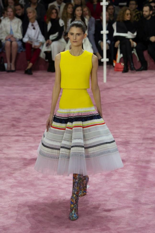 Dior a lansat colecţia Haute Couture primăvară-vară 2015