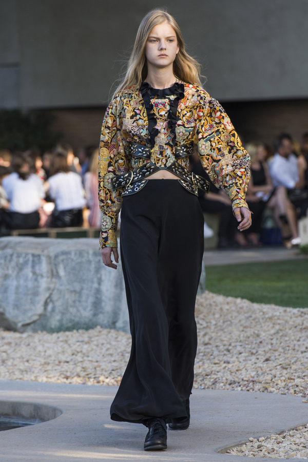 Colecţia Louis Vuitton Resort 2016 în Palm Springs