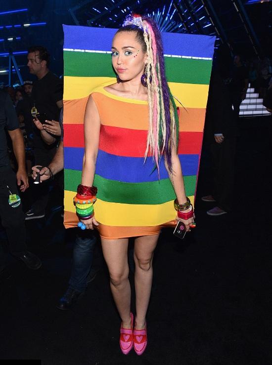 rochita in culorile curcubeului