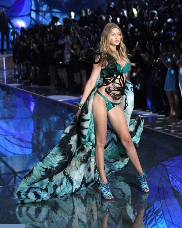 Show-ul Victoria's Secret 2015 21