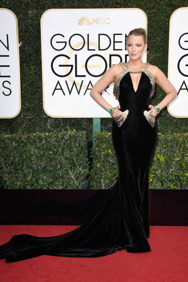 Blake Lively poarta Atelier Versace