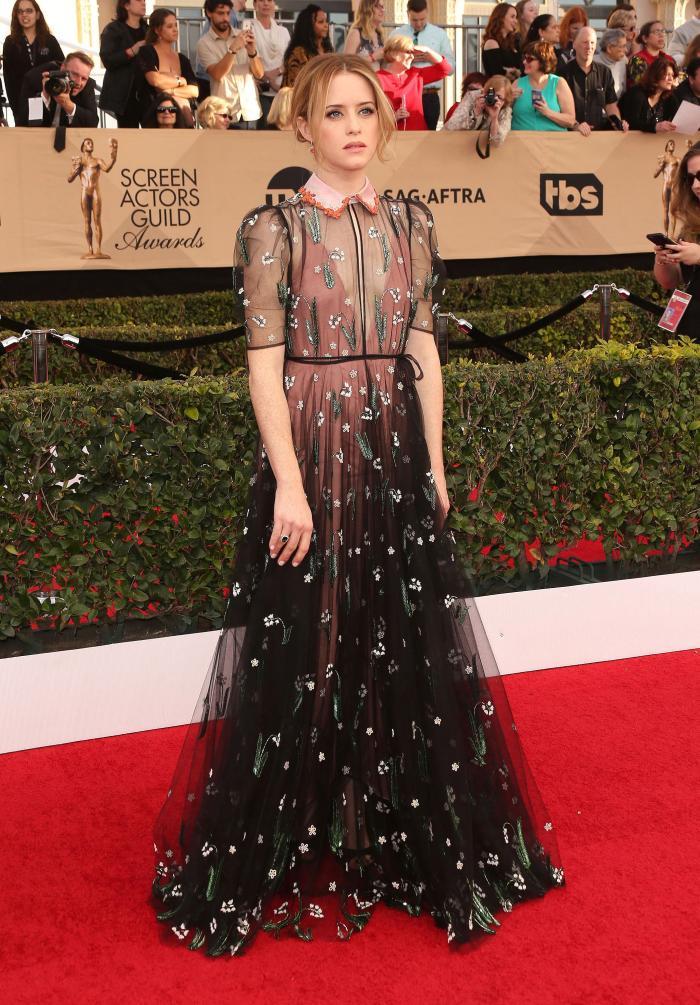 Claire Foy- rochie Valentino si bijuterii Tiffany&Co