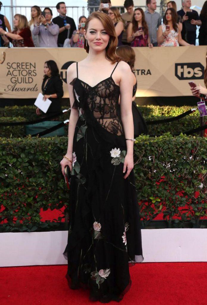 Emma Stone- rochie Alexander McQueen