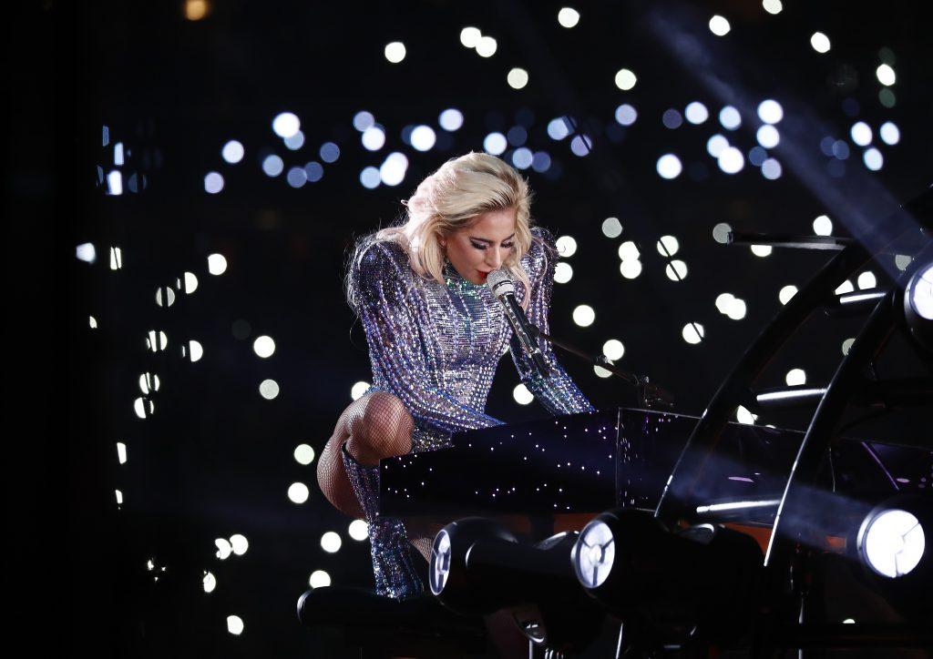 Show de neuitat la Super Bowl cu Lady Gaga