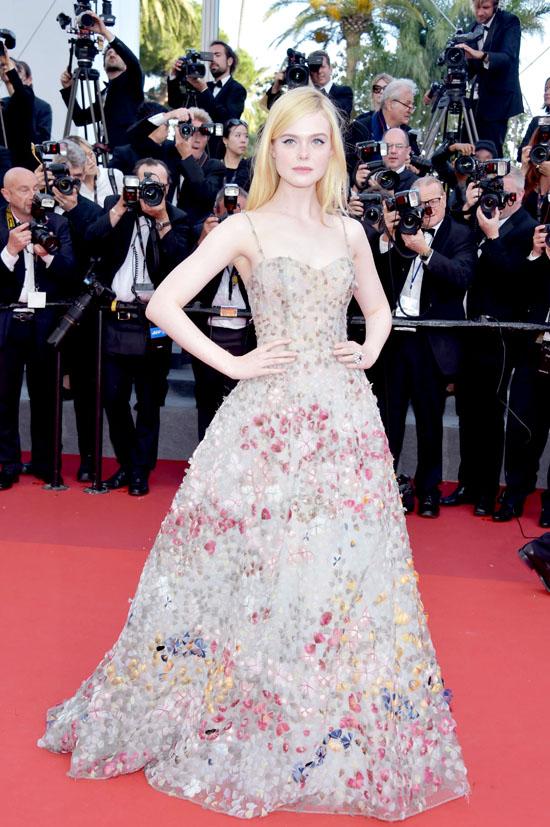 Elle Fanning rochie Dior Haute Couture