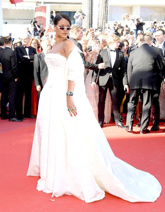 Rihanna rochie Dior