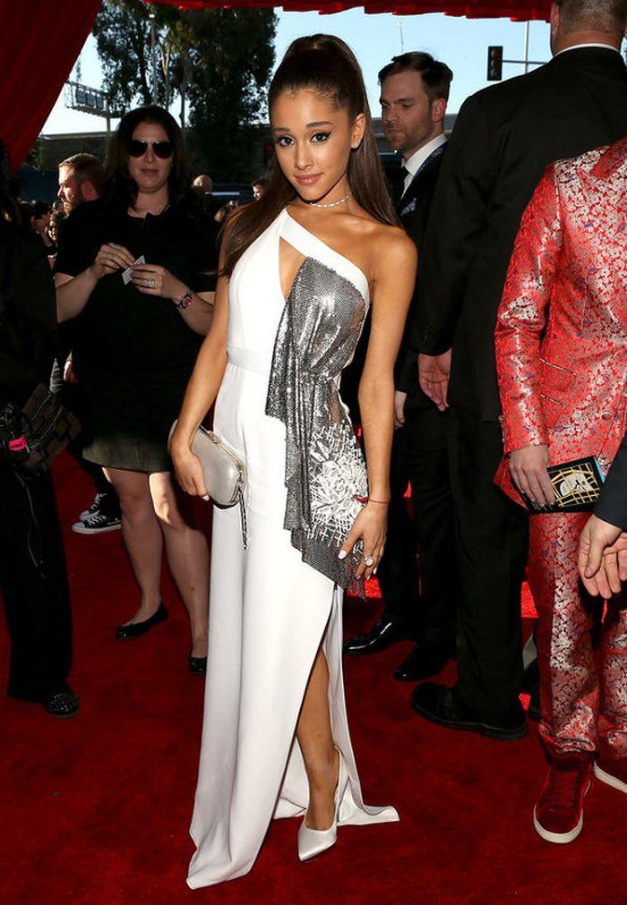 Ariana Grande la Premiile Grammy 2015