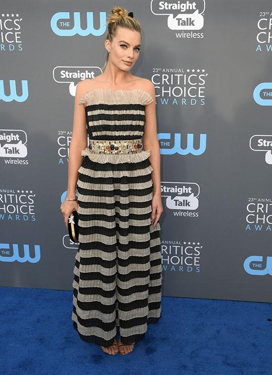 Margot Robbie rochie Chanel