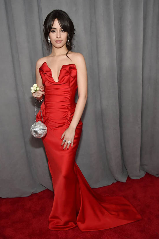 Camilla Cabello in rochie Vivienne Westwood Couture
