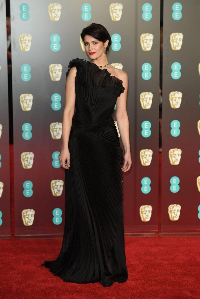 Gemma Atherton in rochie Alberta Ferretti