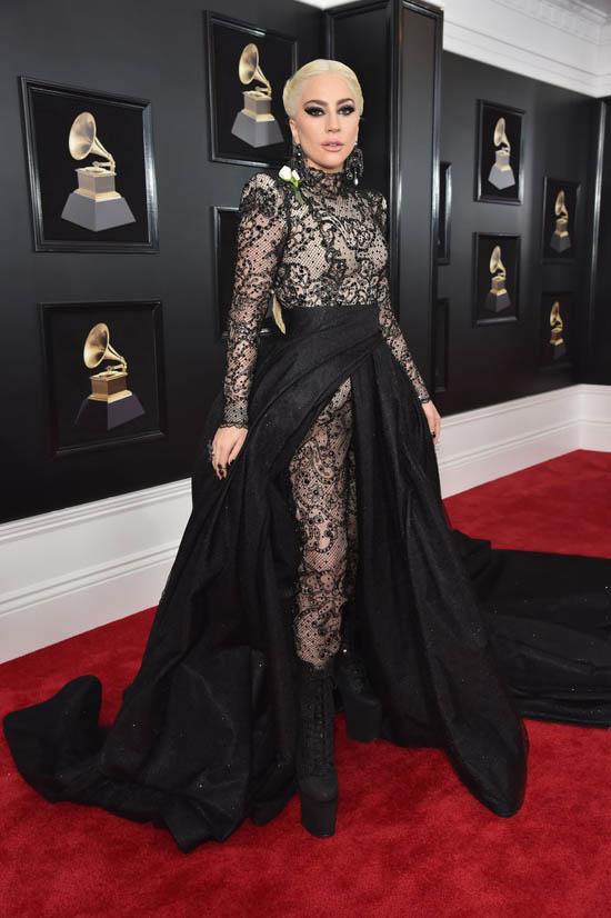 Lady Gaga in rochie Armani Privé