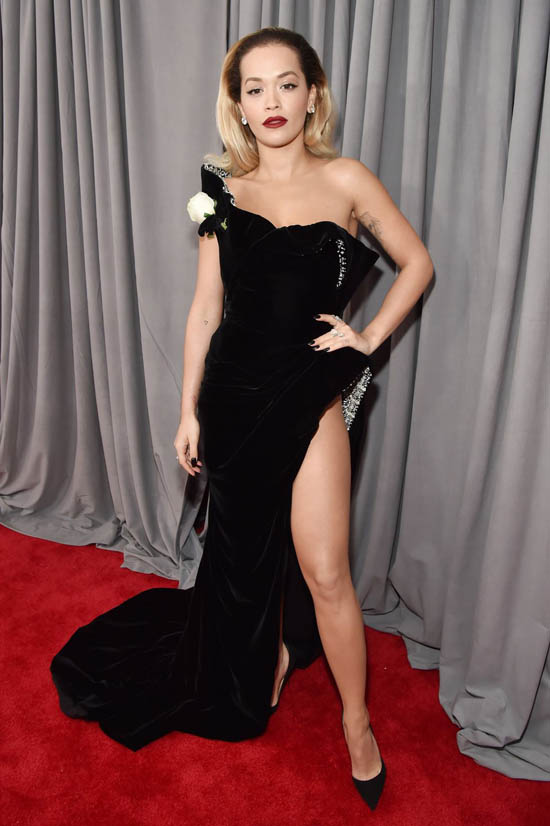 Rita Ora in rochie Ralph & Russo