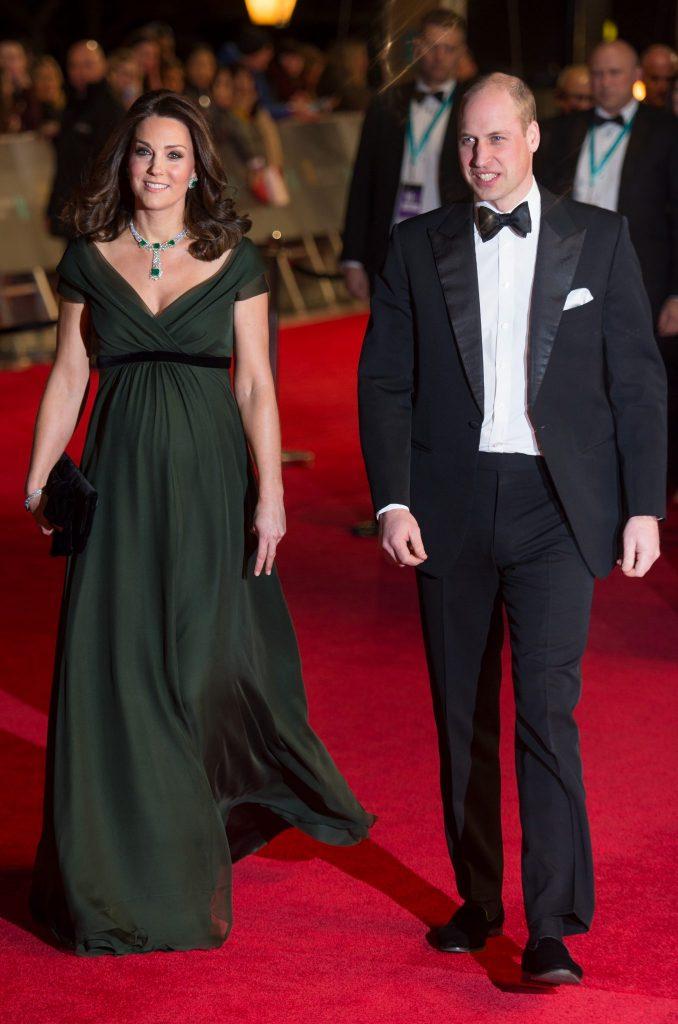 Kate Middleton in rochie Jenny Packham