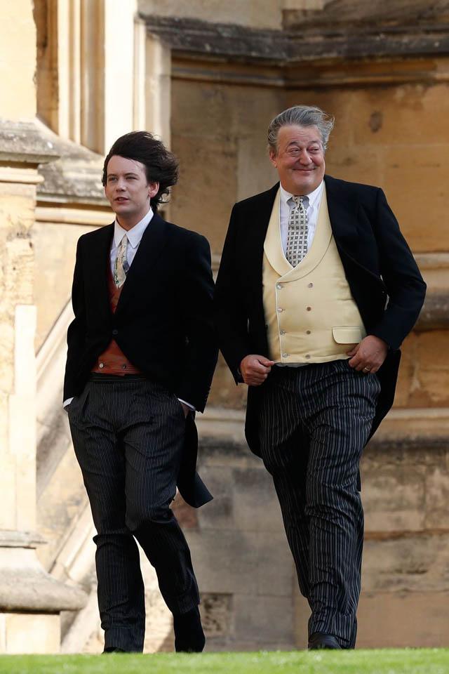 Elliott Spencer si Stephen Fry