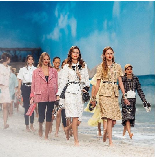 Casa de moda Chanel a impresionat din nou la Paris Fashion Week