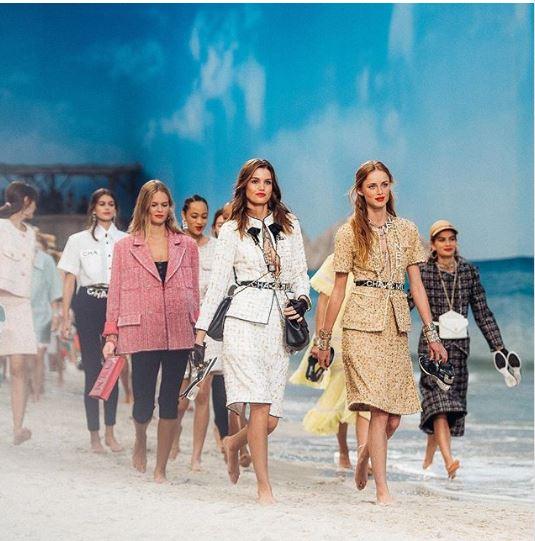Casa de moda Chanel a impresionat din nou la Paris Fashion Week