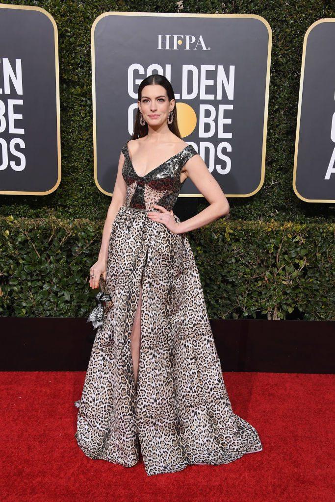 Anne Hathaway a purtat bijuterii Lorraine Schwartz
