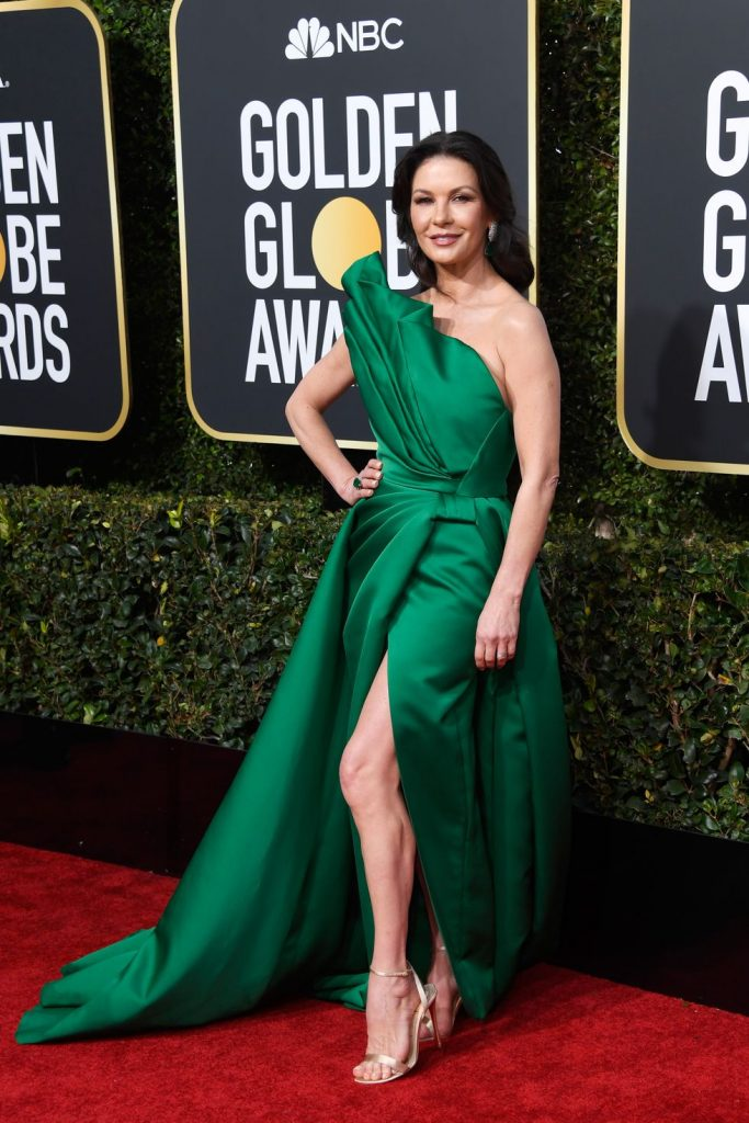 Catherine Zeta-Jones in ochie Elie Saab Haute Couture si bijuterii Lorraine Schwartz