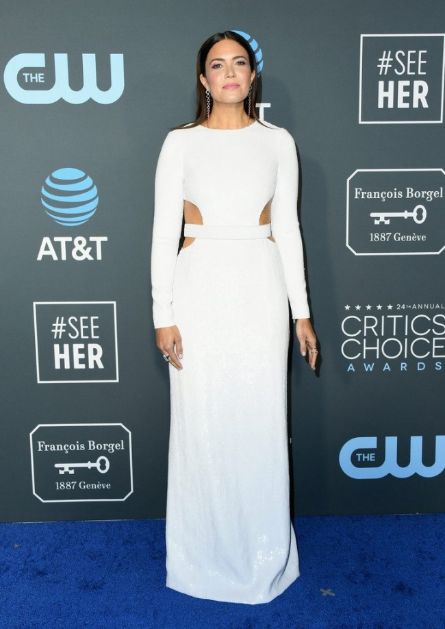 Mandy Moore intr-o rochie Michael Kors Collection