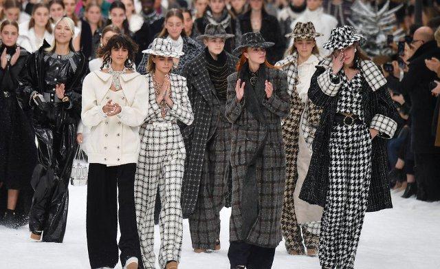 Chanel – tribut pentru Karl Lagerfeld