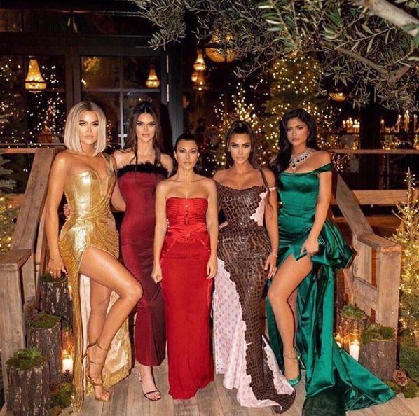 Clanul Kardashian-Jenner la petrecerea de Craciun