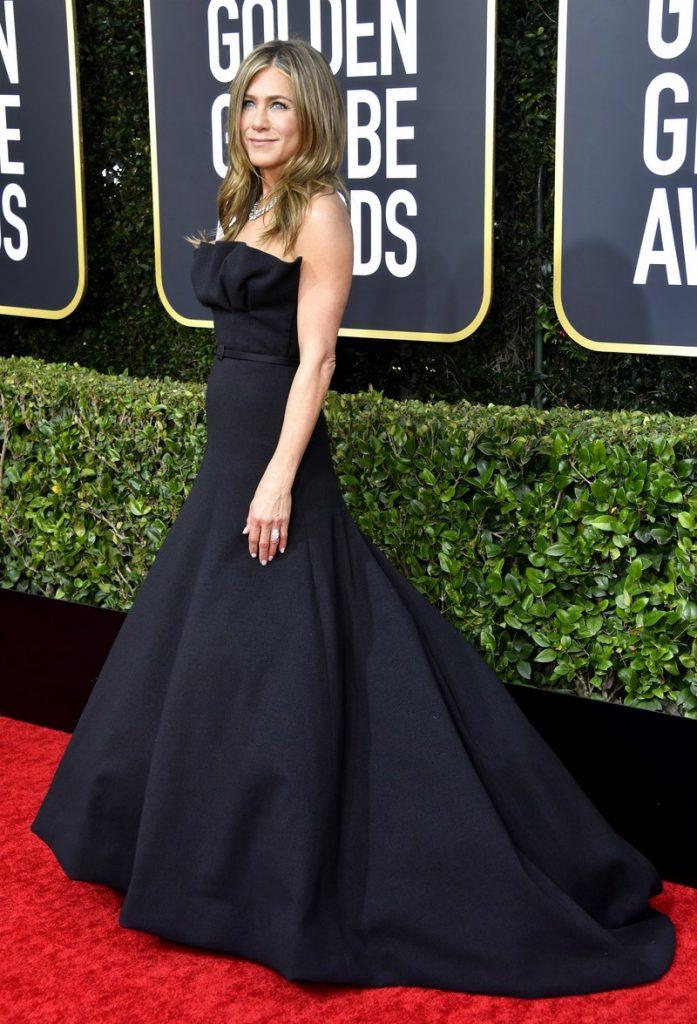 Jennifer Aniston (rochie Dior Haute Couture si bijuterii Fred Leighton)