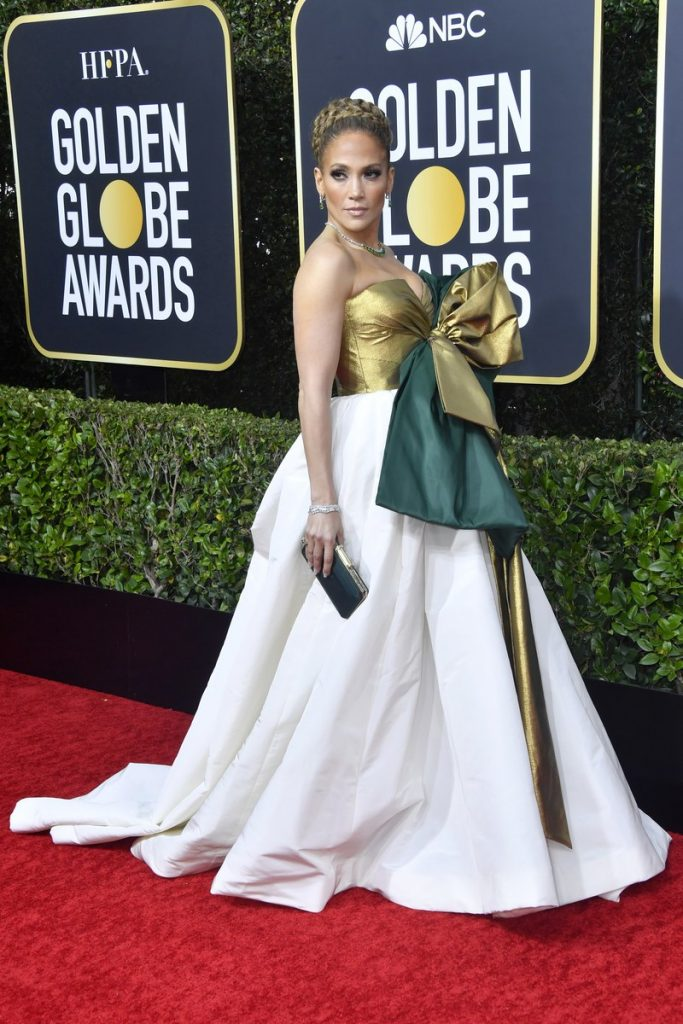 Jennifer Lopez ( rochie Valentino)