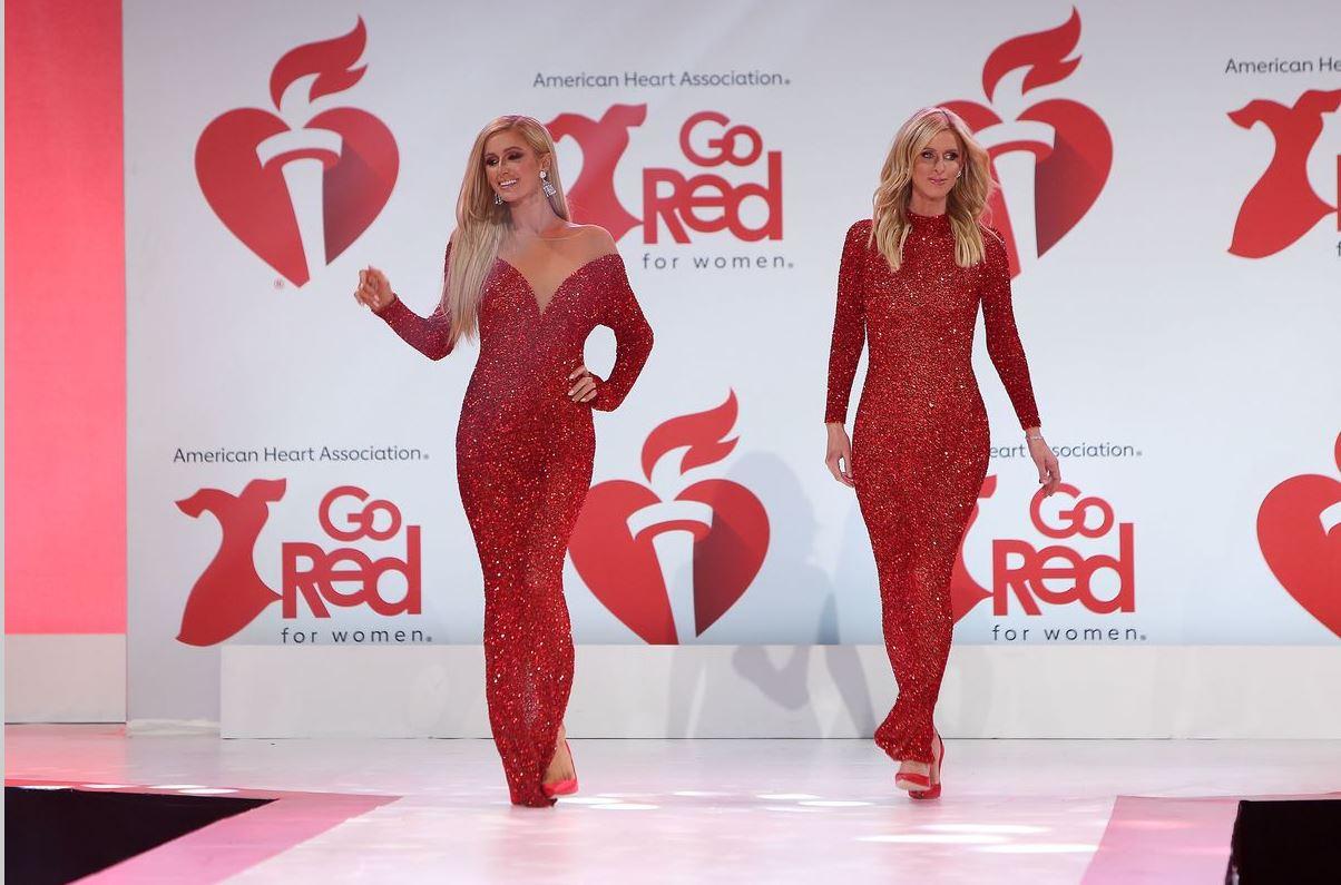 Celebrele surori Hilton au făcut show la New York